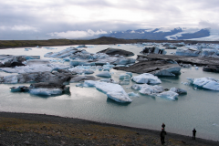 Isskosserne på vej ud i havet