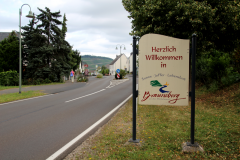 Brauneberg midtvejs mellem Trier og Koblenz - De små vinbyer ligger som perler på en snor langs floden Mosel, der snor sig fra Luxemburg til Rhinen